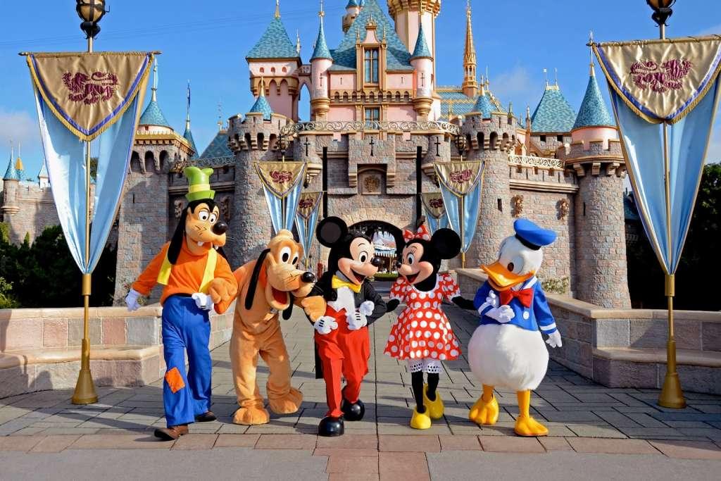 带小孩游玩Disney World