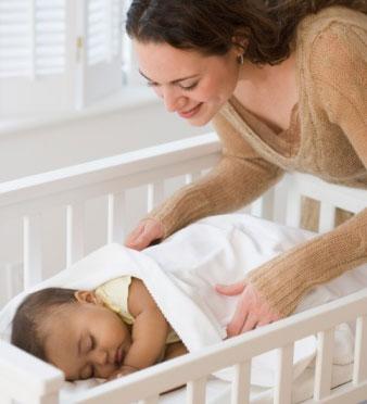 宝宝踢被子怎么办