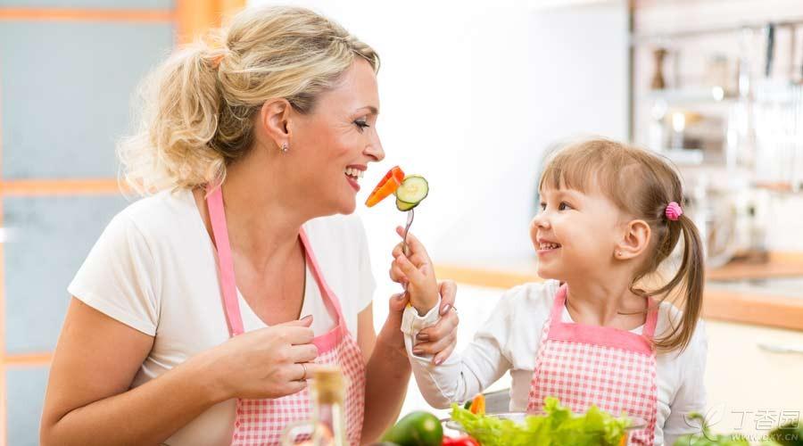 怎样判断孩子有没有吃饱