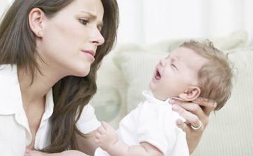 新生儿哭闹怎么办