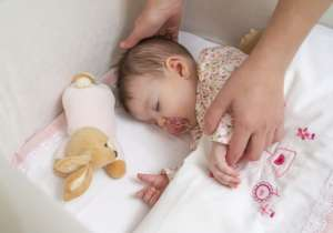 宝宝睡眠训练