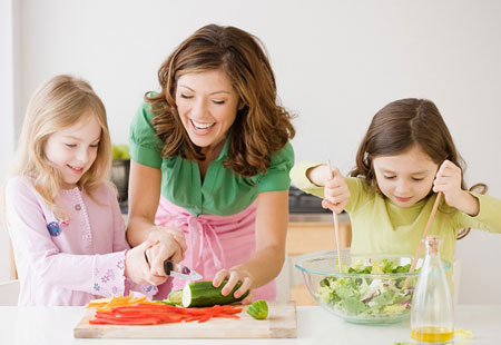如何培养宝宝吃饭的好习惯
