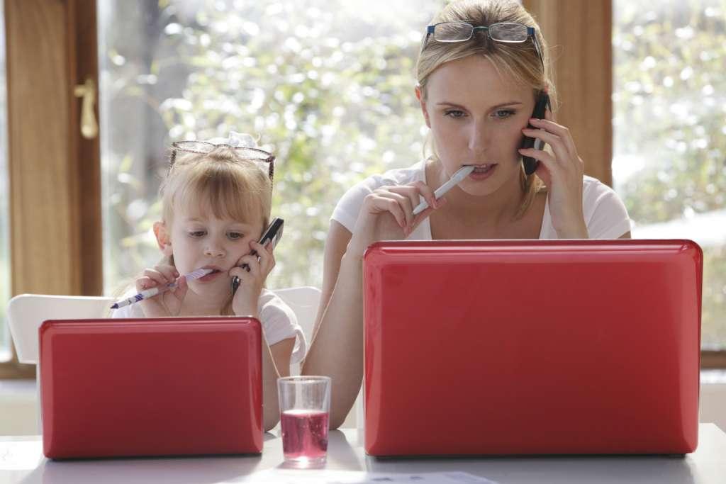 全职妈妈和职场妈妈怎么选择