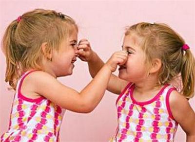宝宝流鼻血的正确处理方法