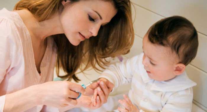 怎么给宝宝剪指甲