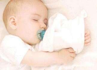 宝宝使用安抚奶嘴好吗
