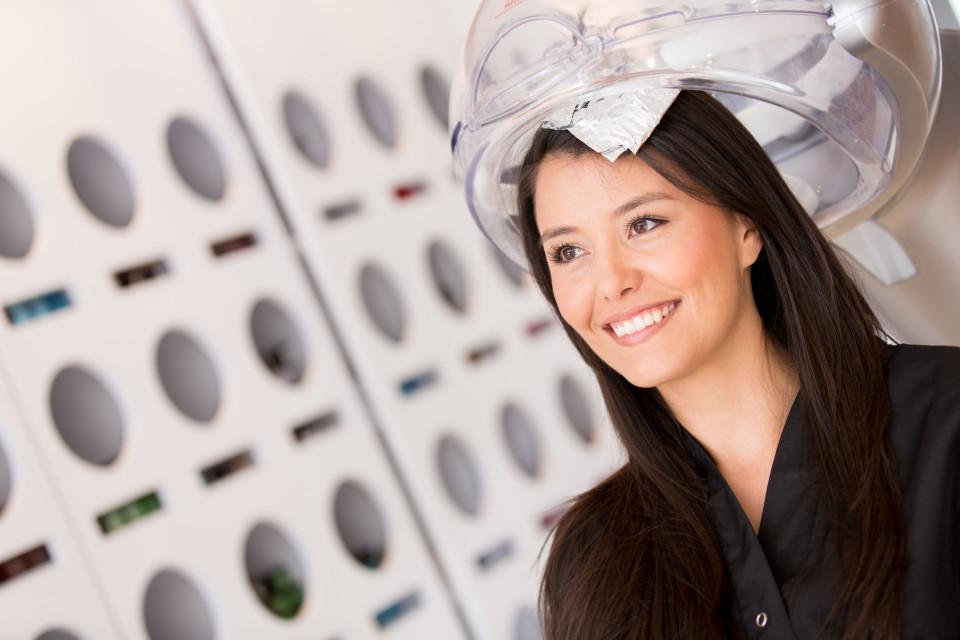 孕妇烫染头发安全吗