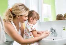 给宝宝洗手的正确方法