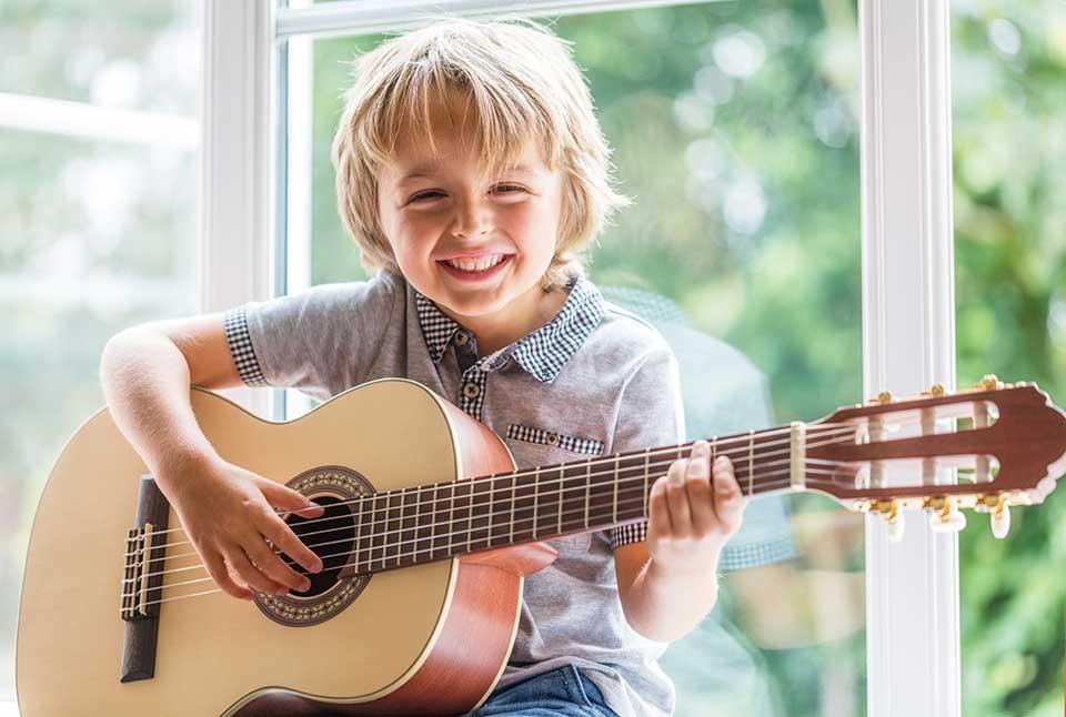 宝宝几岁开始学乐器好?(附爸妈给宝宝挑选乐器的Tips)   美国妈妈网