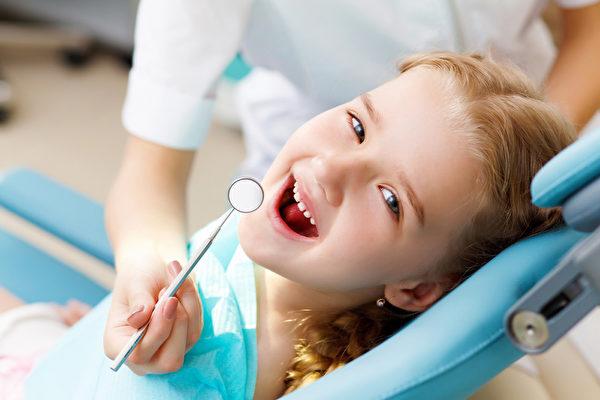 美国孩子几岁看牙医