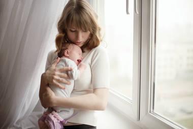 新生宝宝哭闹怎么办