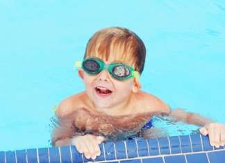 宝宝游泳耳朵进水怎么办