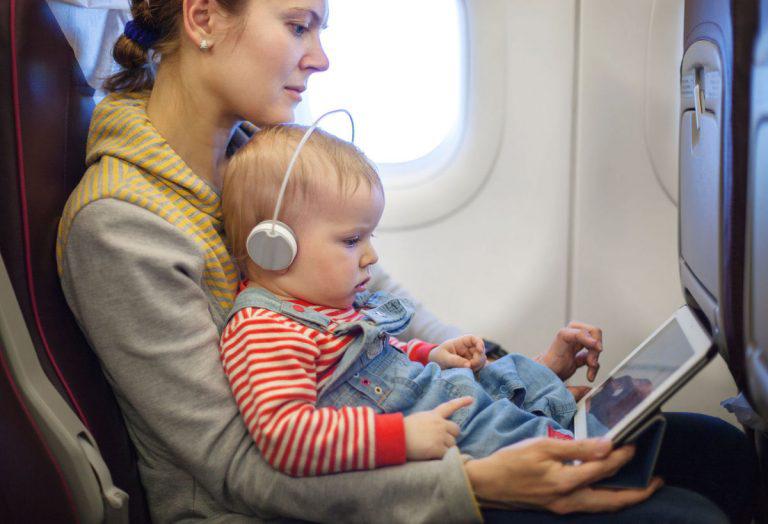 宝宝坐飞机可以用安全座椅吗