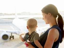飞机上怎么给宝宝喂母乳