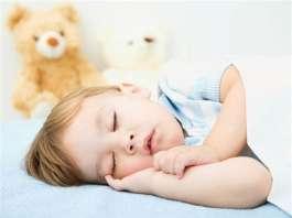 宝宝睡觉打鼾