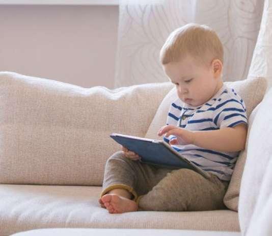 孩子多大开始接触电子产品