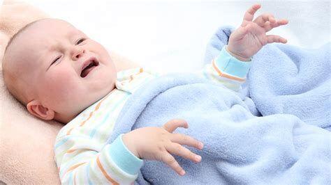 宝宝出现哪些情况需要联系儿医