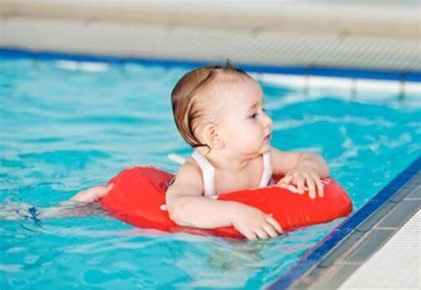 婴儿游泳的好处