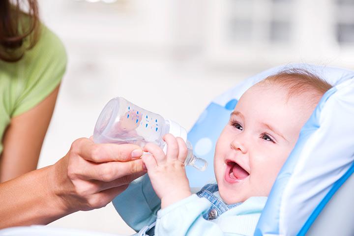 新生宝宝喝水