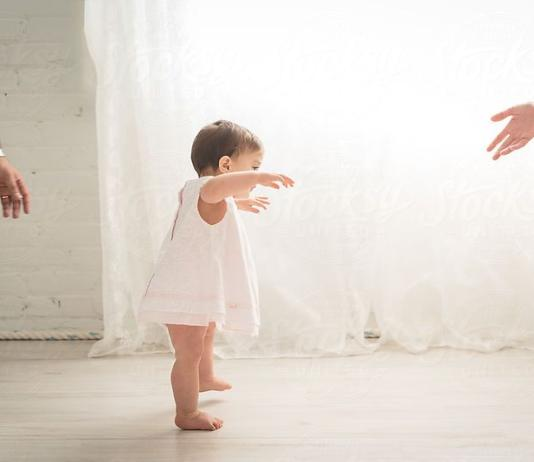 宝宝大运动发展