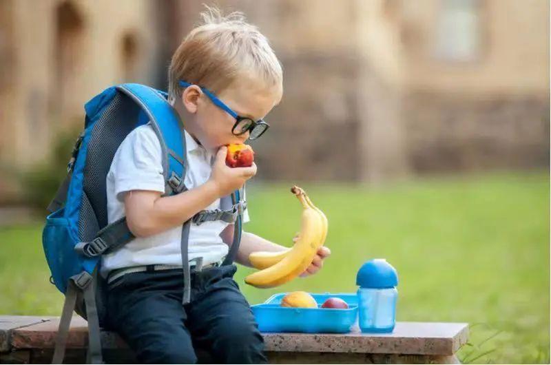 接娃放学回家后,如何与孩子顺畅沟通?